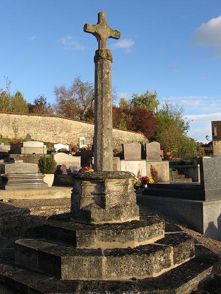 Photo du Monument Historique Croix de pierre du 15s situé à Santeuil