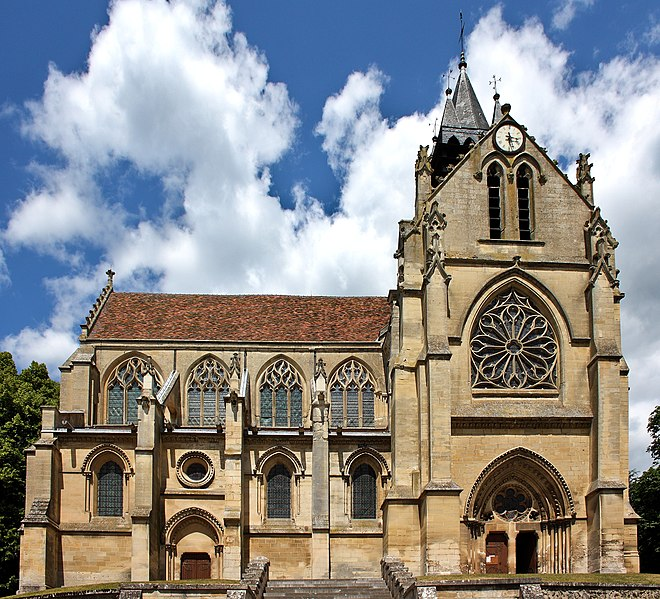 Photo du Monument Historique Eglise situé à Taverny