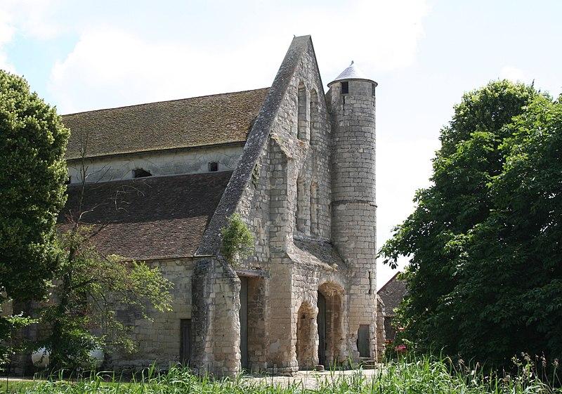Photo du Monument Historique Domaine de la grange cistercienne de Vollerand situé à Villeron