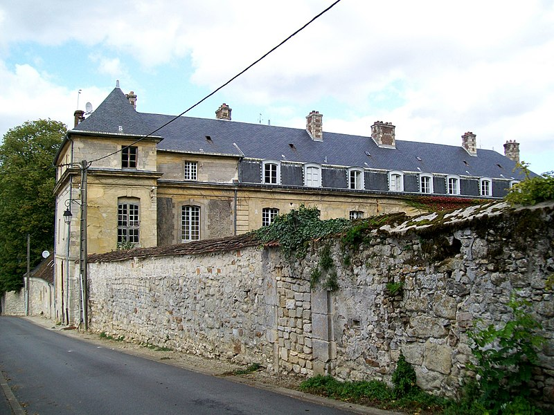 Photo du Monument Historique Château de Touteville situé à Asnières-sur-Oise