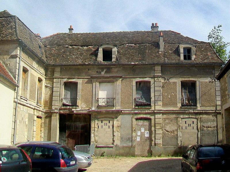 Photo du Monument Historique Hôtel de Brière situé à Magny-en-Vexin
