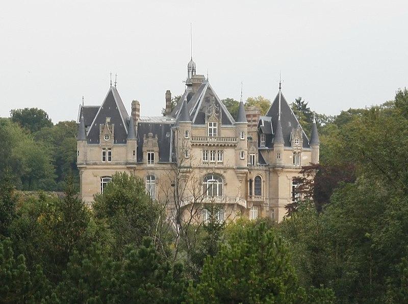 Photo du Monument Historique Château de Dampont situé à Us
