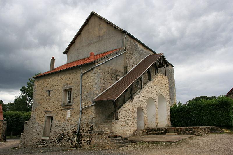Photo du Monument Historique Maison forte de la ferme du Colombier situé à Aincourt