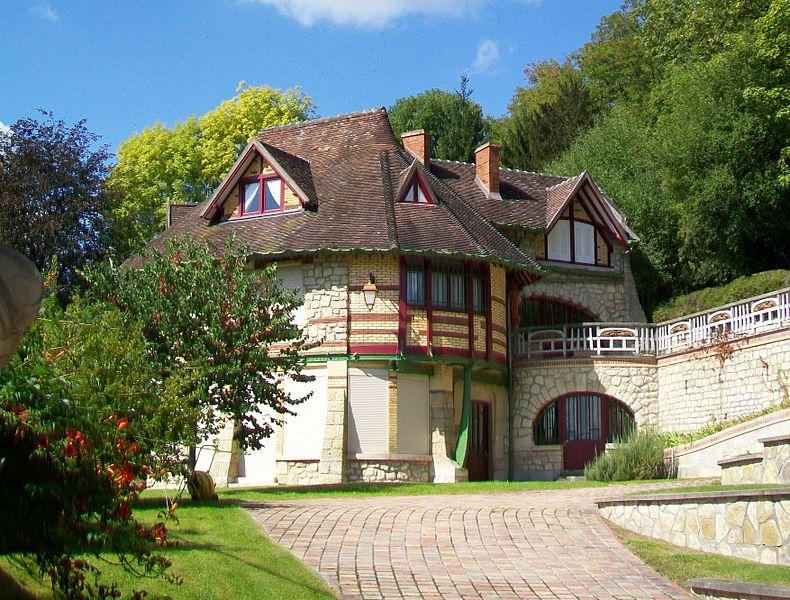 Photo du Monument Historique Villa Castel Val situé à Auvers-sur-Oise