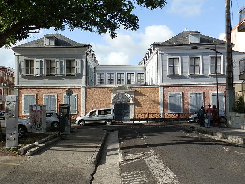 Photo du Monument Historique Externat Saint-Joseph-de-Cluny situé à Pointe-à-Pitre