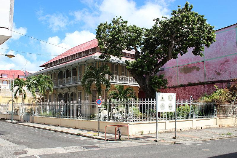 Photo du Monument Historique Maison dite Maison Pagès, actuellement musée Saint-John Perse situé à Pointe-à-Pitre
