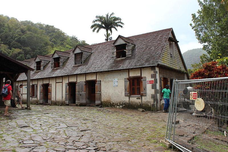 Photo du Monument Historique Habitation caféière La Grivelière situé à Vieux-Habitants