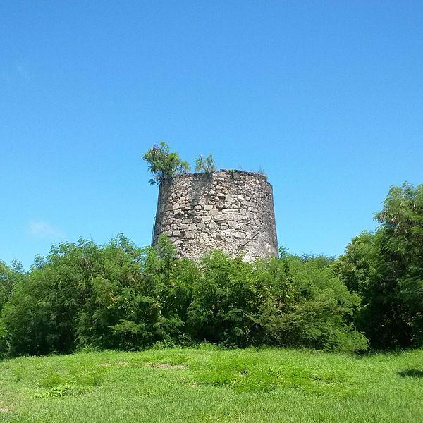 Photo du Monument Historique Moulin de Chassaing situé à Saint-François