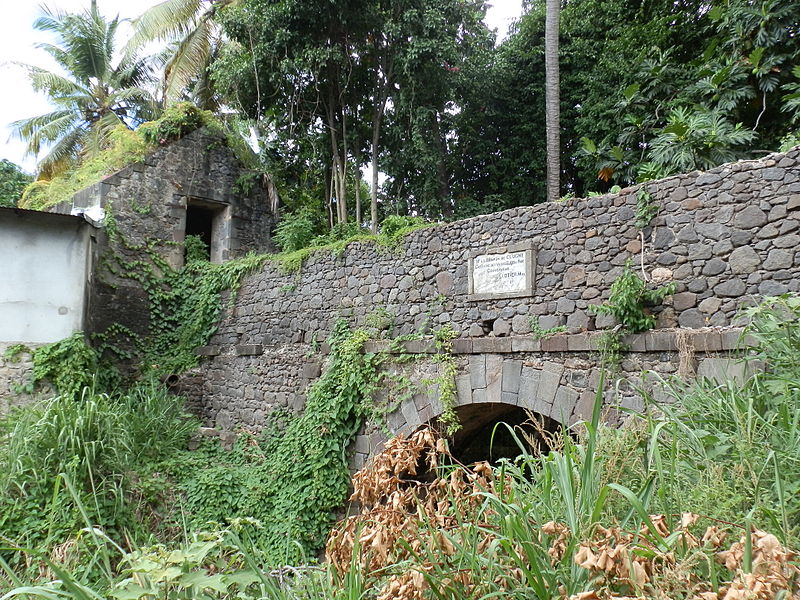 Photo du Monument Historique Aqueduc et réservoir de Petite Guinée situé à Basse-Terre