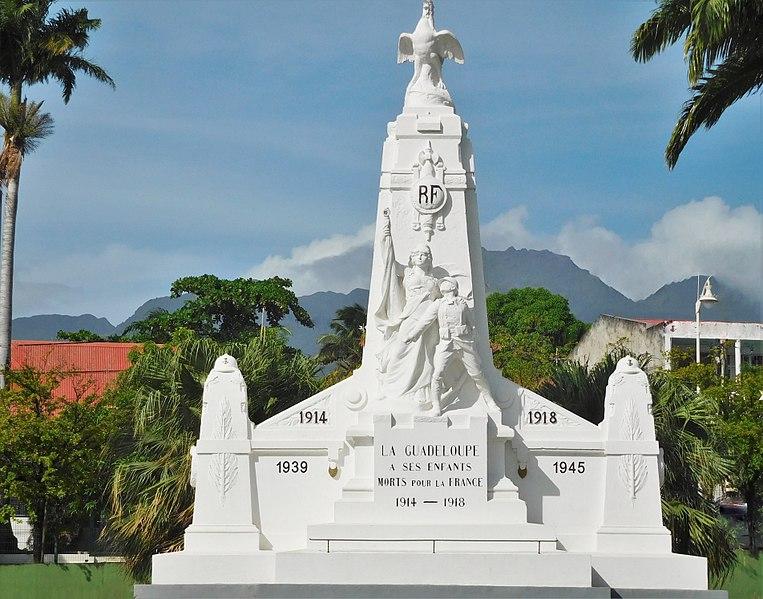Photo du Monument Historique Monument aux morts situé à Basse-Terre