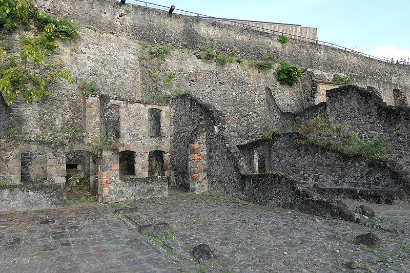 Photo du Monument Historique Anciens entrepôts situé à Saint-Pierre