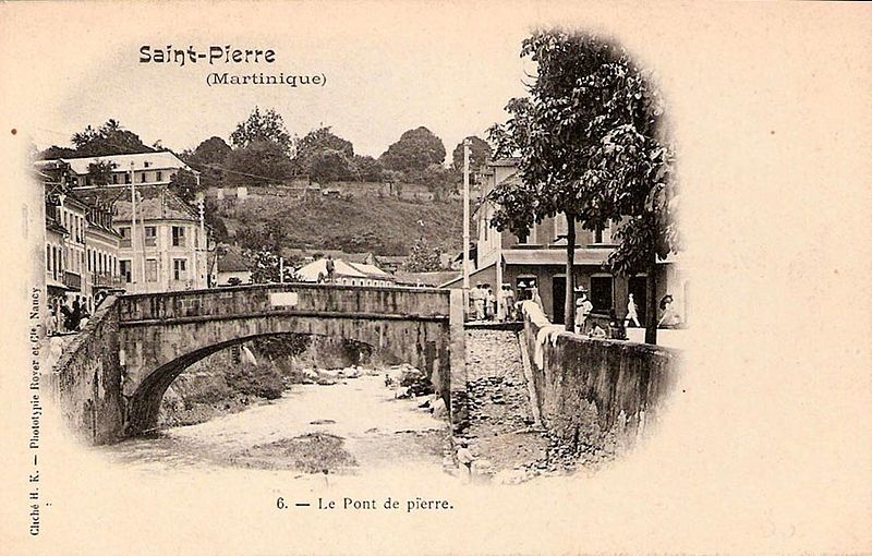 Photo du Monument Historique Pont sur la Roxelane situé à Saint-Pierre