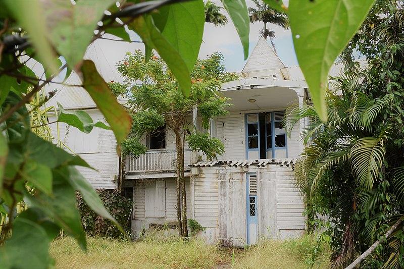 """Photo du Monument Historique Résidence """"les Tourelles"""" dite résidence du Gouverneur Félix Eboué situé à Fort-de-France"""