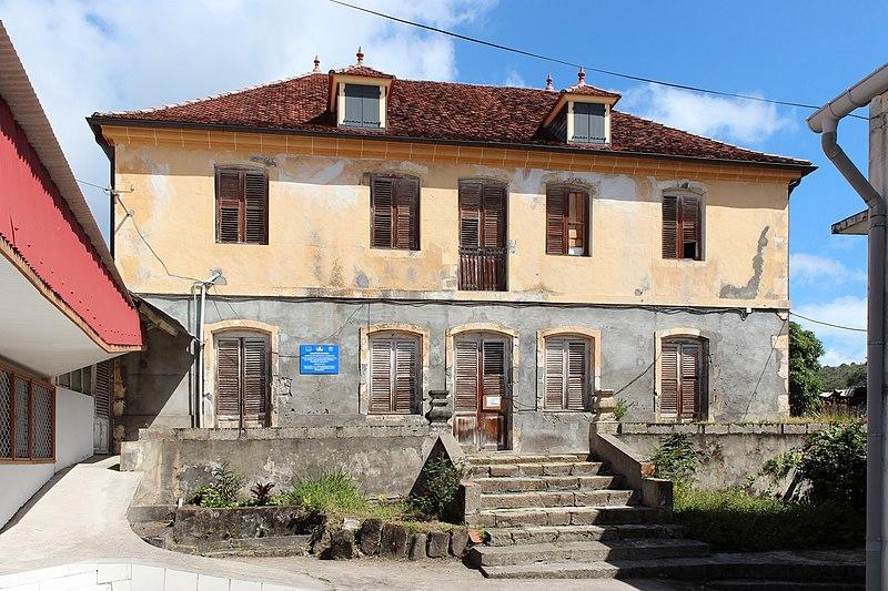 Photo du Monument Historique Presbytère avec son enclos situé à Le Carbet