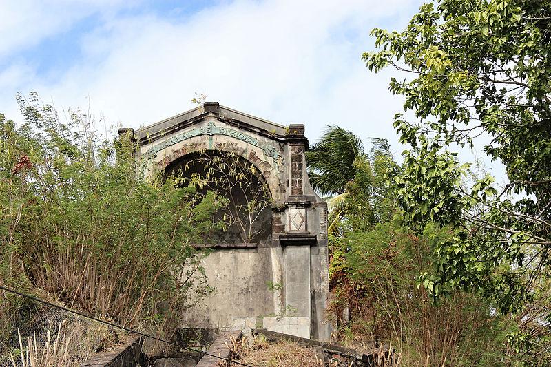 Photo du Monument Historique Fontaine Gueydon situé à Fort-de-France