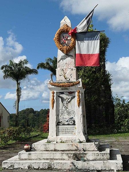 Photo du Monument Historique Monuments aux morts situé à Saint-Joseph