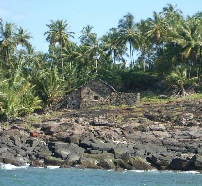Photo du Monument Historique Maison de Dreyfus, sur l'île du Diable situé à Cayenne