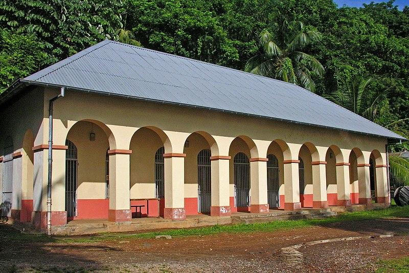Photo du Monument Historique Magasin du Port (ancienne boulangerie) , sur l'île Royale situé à Cayenne