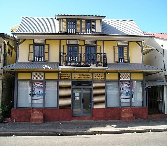 Photo du Monument Historique Immeuble Delabergerie, siège de la Direction Régionale des Affaires Culturelles de la Guyane situé à Cayenne