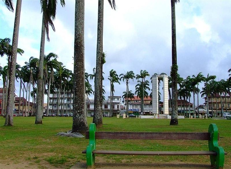 Photo du Monument Historique Place de l'Esplanade, dite place des Palmistes situé à Cayenne