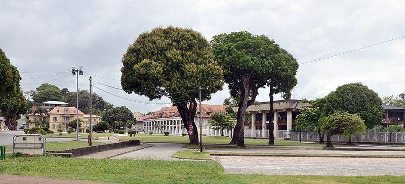 Photo du Monument Historique Place Léopold-Héder, dite aussi place de Grenoble situé à Cayenne