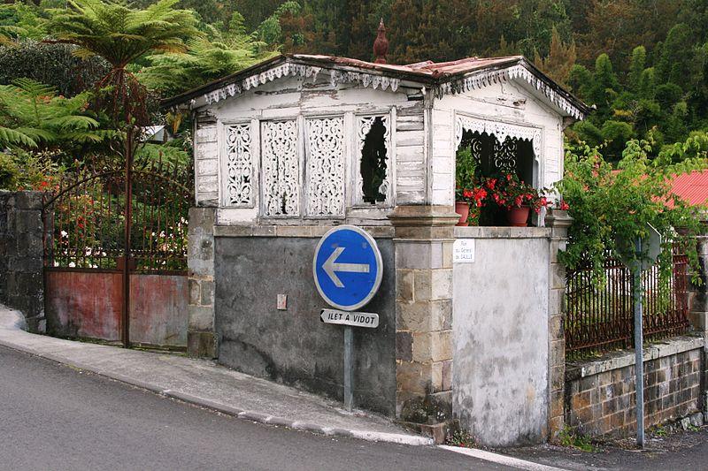 Photo du Monument Historique Villa Lucilly, située à Hell-Bourg situé à Salazie