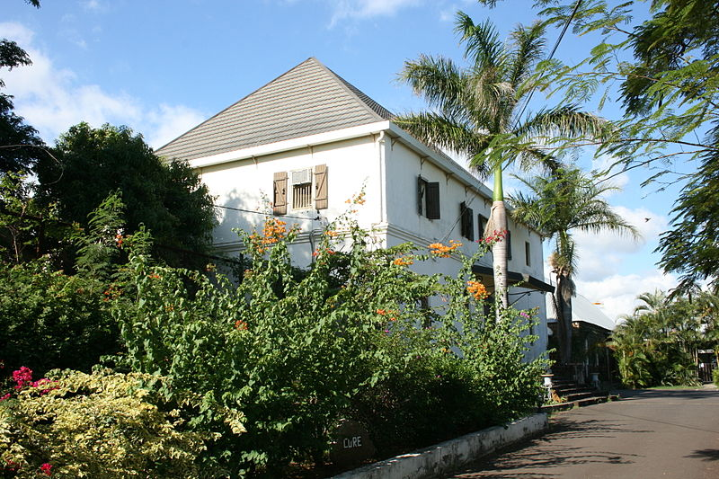 Photo du Monument Historique Cure dite aussi presbytère situé à Saint-Pierre