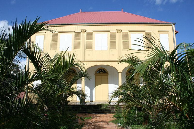 Photo du Monument Historique Maison Frappier de Montbenoît dite aussi maison Loupy situé à Saint-Pierre