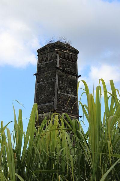 Photo du Monument Historique Cheminée dite Gol-les-Hauts situé à Saint-Louis