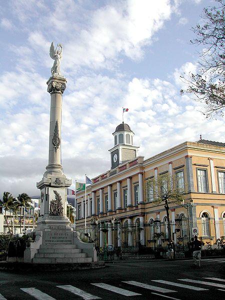 Photo du Monument Historique Monument aux morts de la Grande Guerre situé à Saint-Denis