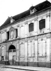 Immeuble - Façade sur la rue