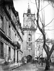 Hôtel de ville - Beffroi, façade sur la rue