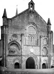 Ancienne abbaye Saint-Pierre - Eglise, façade ouest