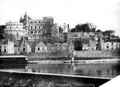 Château - Ensemble nord, sur la Loire