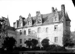 Château - Aile Louis XII : façade sur la cour côté ouest