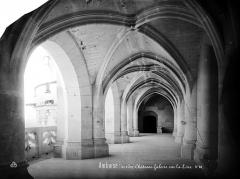 Château - Logis du roi (façade sur la Loire) : vue intérieure de la galerie du premier étage