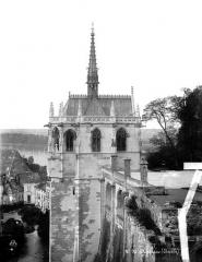 Château - Chapelle Saint-Hubert : vue d'ensemble avec soubassement