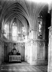 Château - Chapelle : intérieur, côté du choeur
