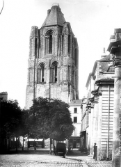 Ancienne abbaye Saint-Aubin, actuelle préfecture - Tour du clocher