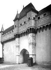 Château - Porte ouest