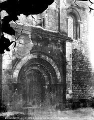 Eglise Saint-Martin - Façade nord : porte et fenêtres