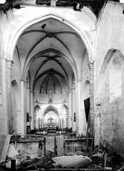 Eglise Saint-Pierre et Saint-Pardoux - Nef, état pendant la restauration