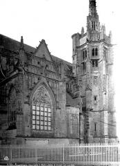 Eglise Saint-Martin - Clocher et transept nord
