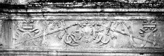 Château - Bas-relief