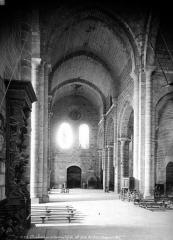 Ancienne abbaye Saint-Etienne - Eglise, intérieur : nef, vue du choeur