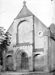 Eglise Saint-Hugues - Façade ouest