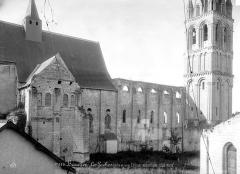 Eglise abbatiale Saint-Pierre-Saint-Paul - Façade, côté nord
