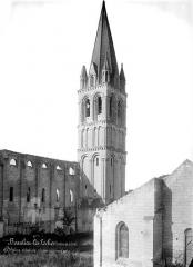 Eglise abbatiale Saint-Pierre-Saint-Paul - Clocher, côté nord-est
