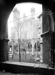 Ancienne cathédrale Saint-Nazaire et cloître Saint-Nazaire - Cloître attenant à l'église, galeries