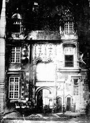 Château de Blois - Façade Louis XII : porte, état avant restauration